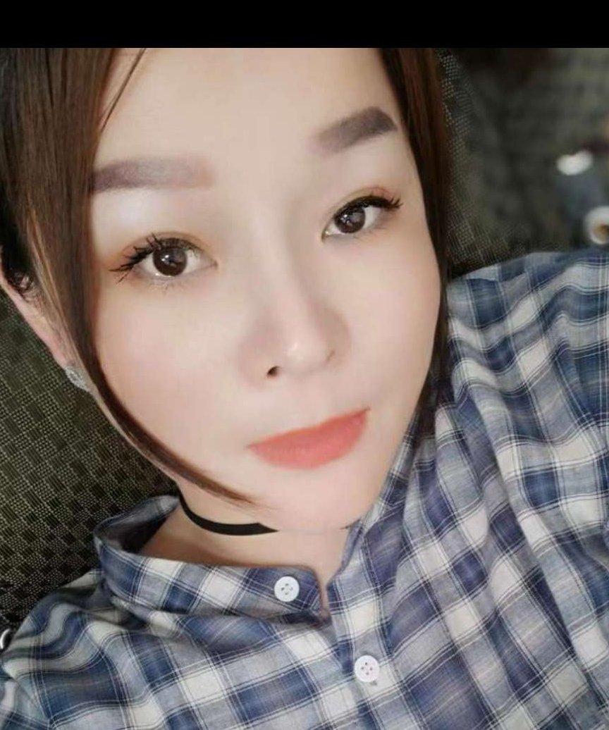 吴晓爱,女,年龄:33岁,收入:8-12万,婚况:离异,职业:个体老板