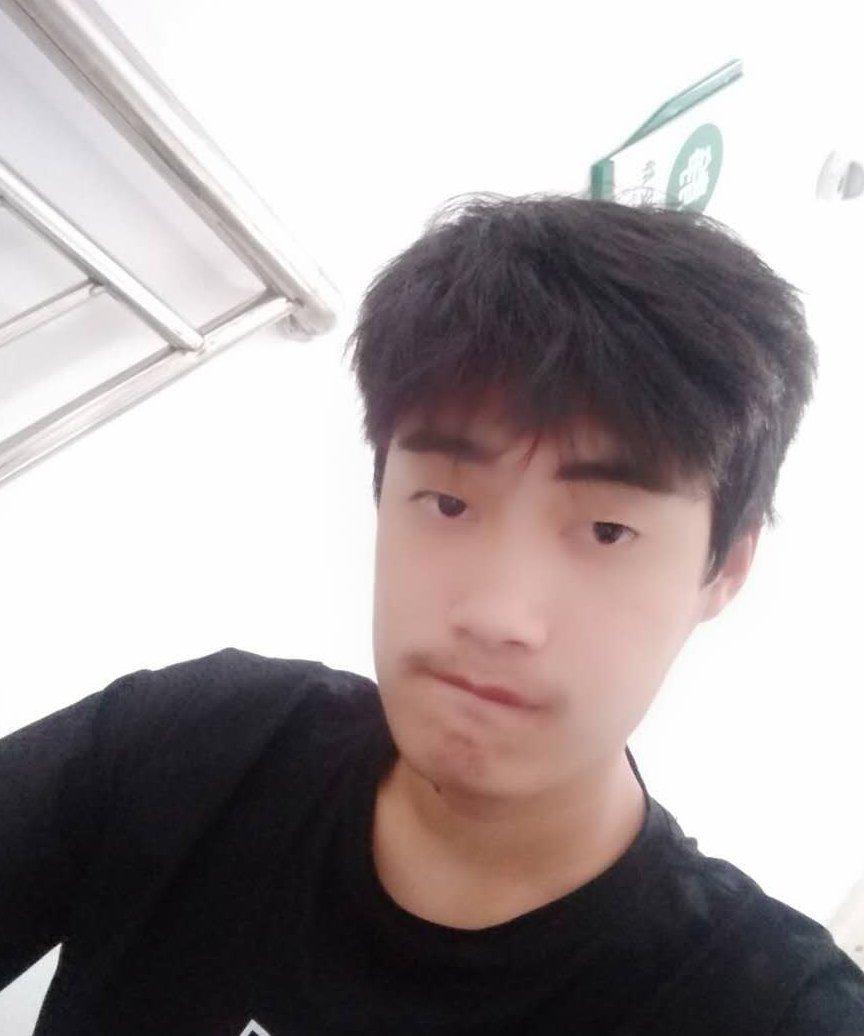 杨光,男,年龄:19岁,收入:5万以下,婚况:未婚,职业:自由职业