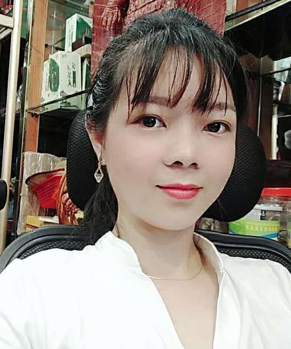 杨孙秀,女,年龄:31岁,婚况:离异,