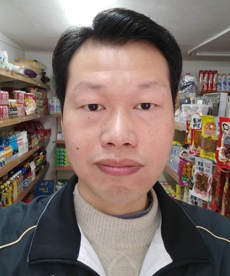 吴武军,男,年龄:42岁,婚况:未婚,